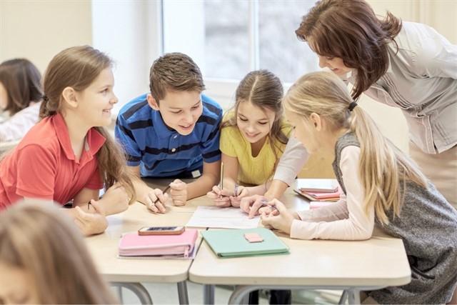 como-controlar-el-ruido-en-el-aula-educacion